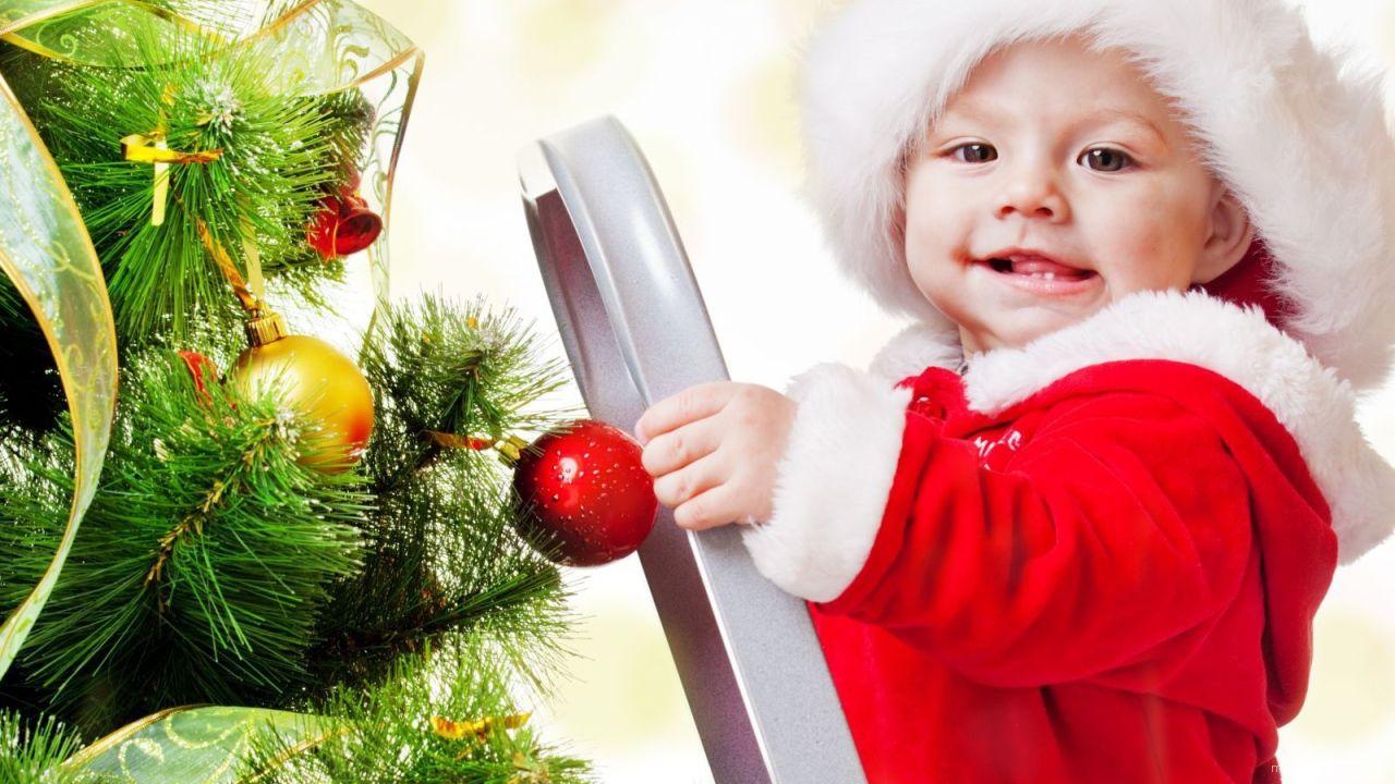Счастливый малыш на рождество - C Рождеством Христовым поздравительные картинки