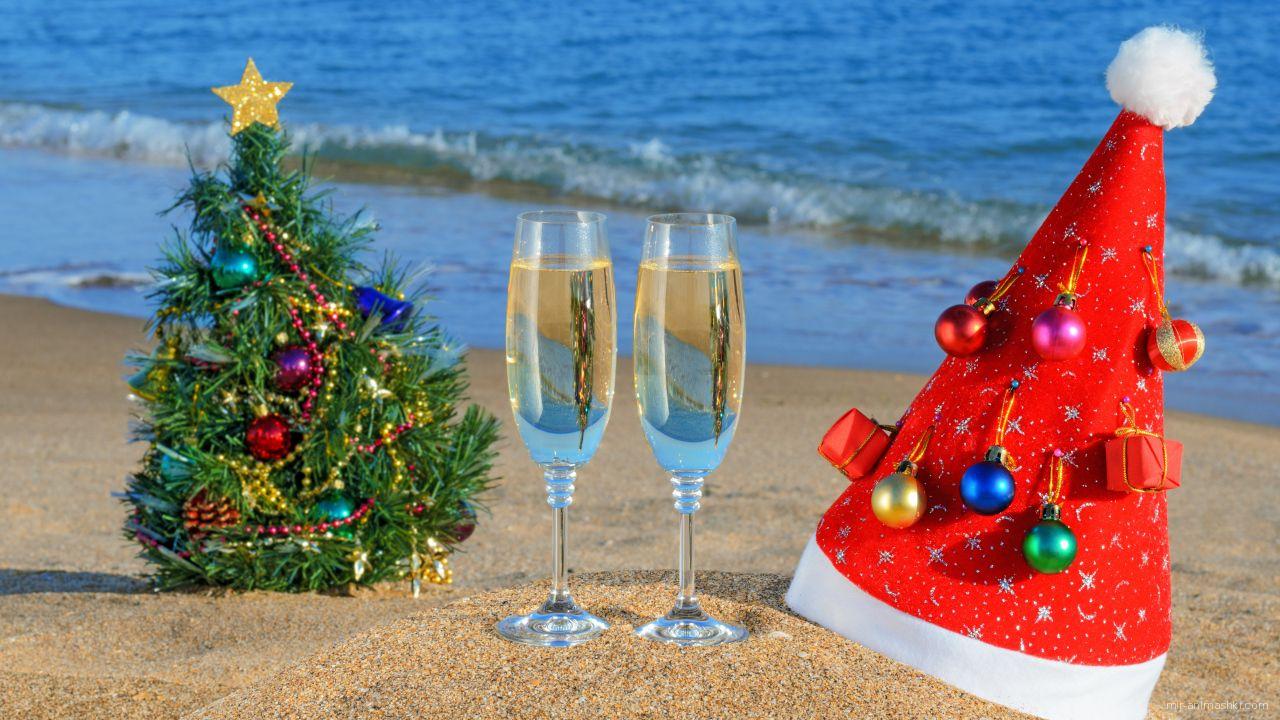 Рождество на пляже - C Рождеством Христовым поздравительные картинки