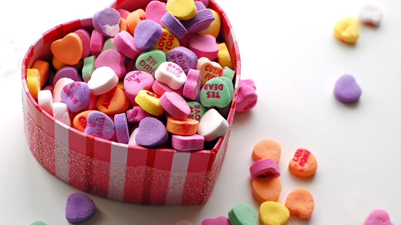 Коробка с конфетками на День Святого Валентина 14 февраля - С днем Святого Валентина поздравительные картинки