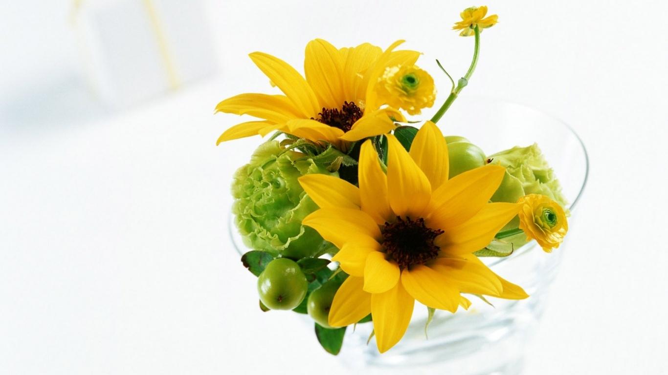 Желтые цветы на 8 марта - C 8 марта поздравительные картинки