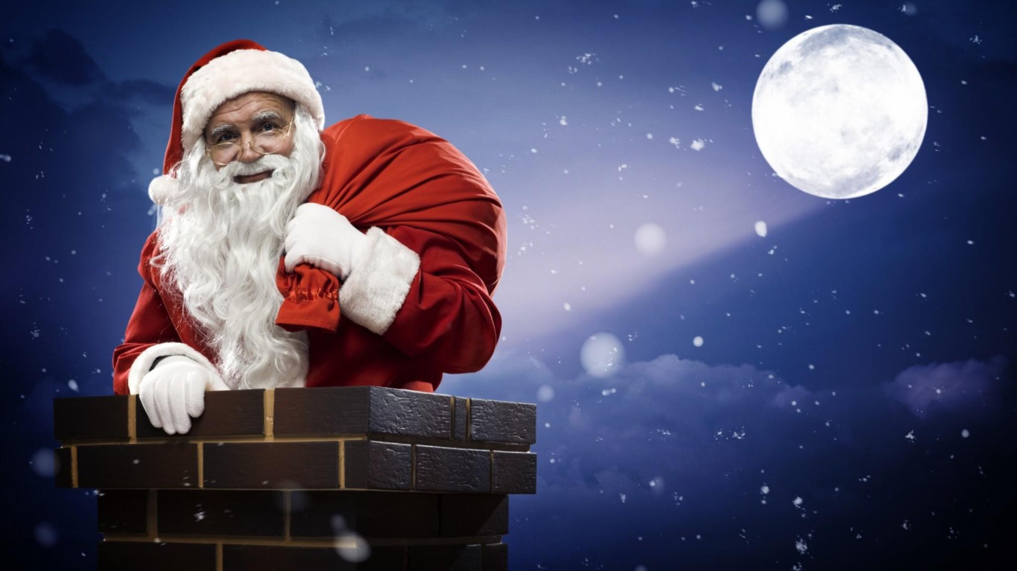 Санта Клаус в трубе - C Новым годом 2020 поздравительные картинки