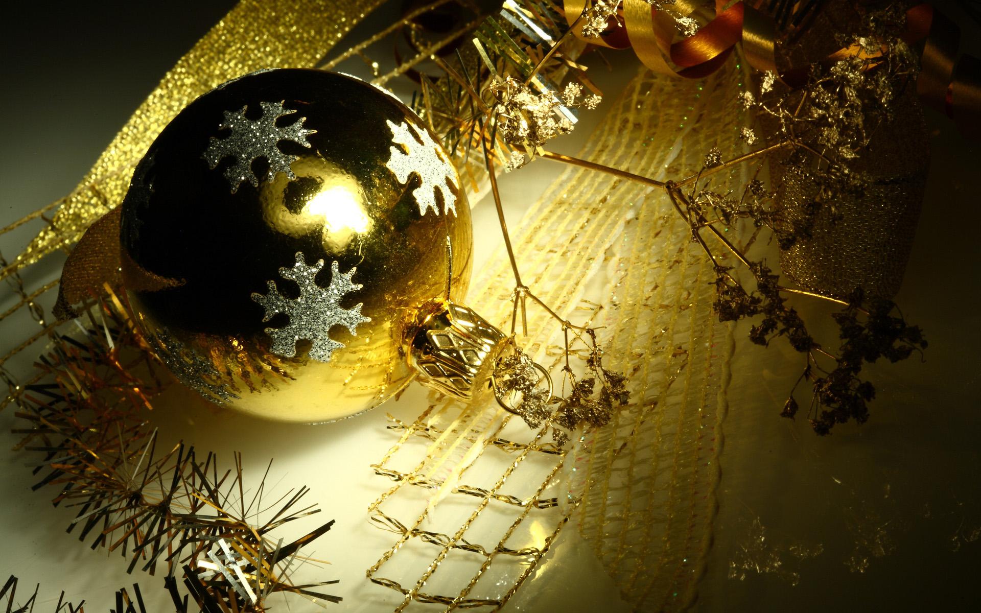 Елочное украшение - C наступающим новым годом 2017 поздравительные картинки