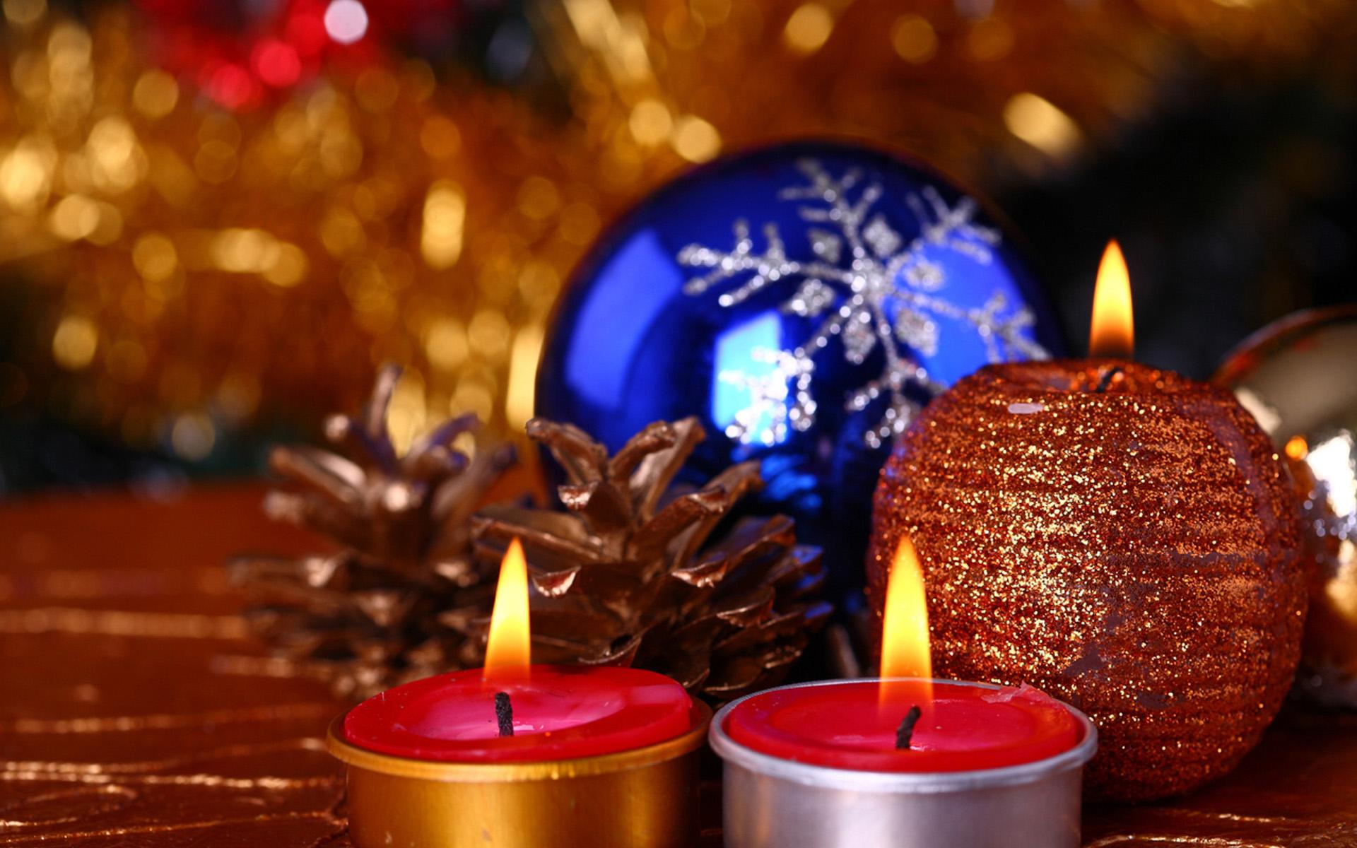 Новогодние свечи - C наступающим новым годом 2018 поздравительные картинки