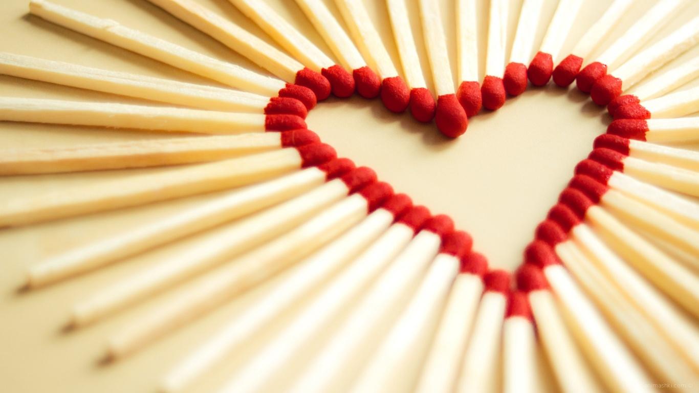 Сердце из спичек на День Влюбленных 14 февраля - С днем Святого Валентина поздравительные картинки