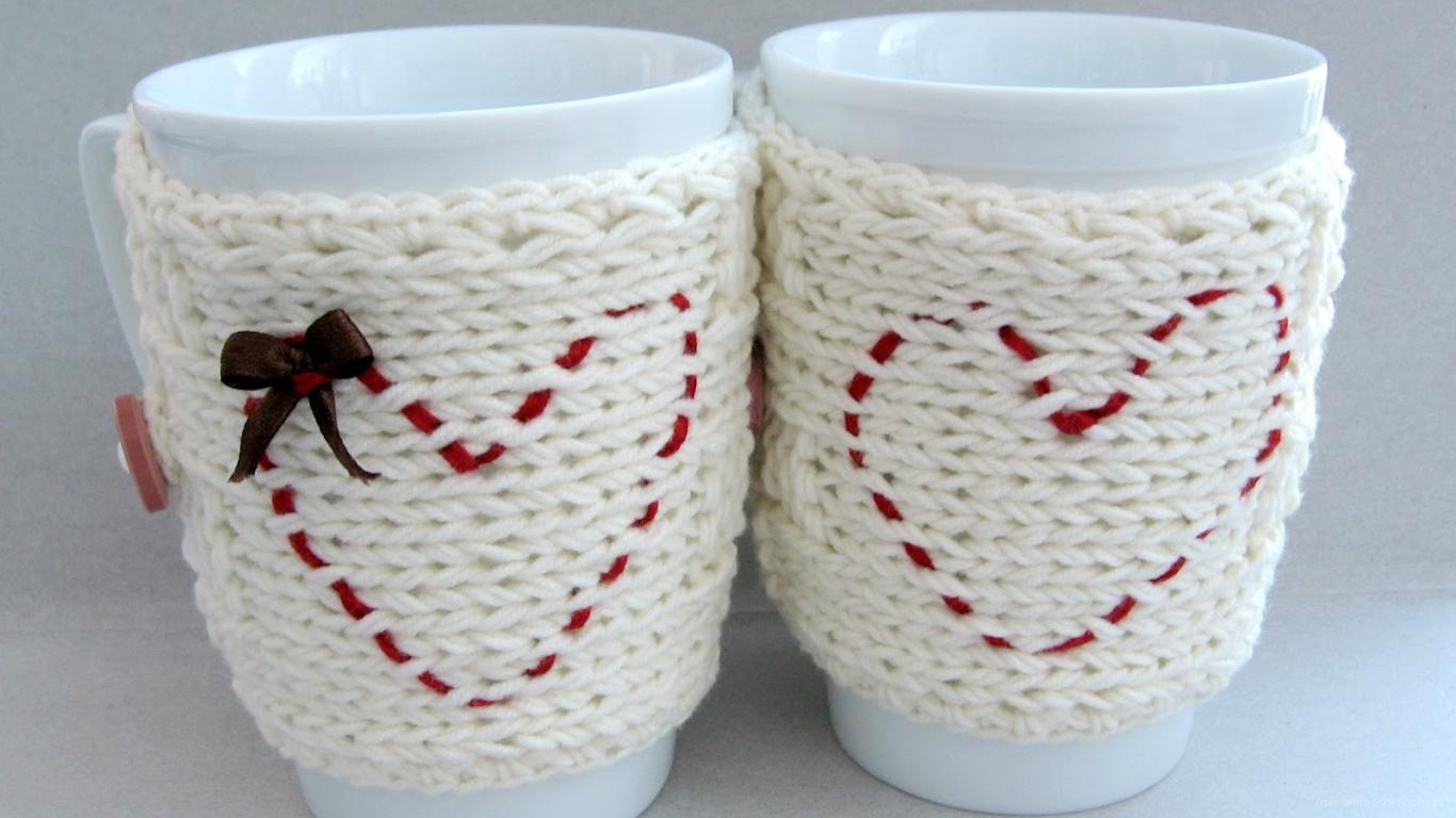 Чашки с вышивкой сердец на День Влюбленных 14 февраля - С днем Святого Валентина поздравительные картинки