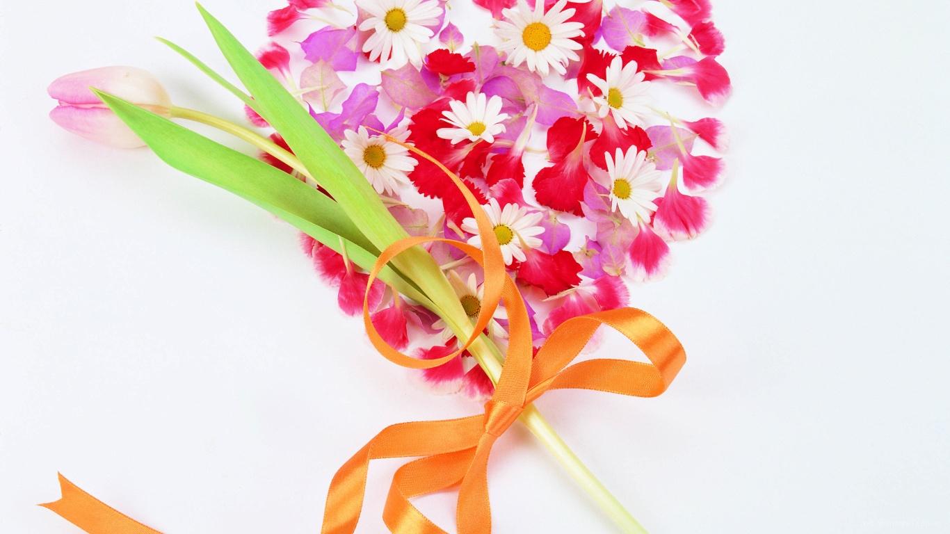 Тюльпан и сердце на День Святого Валентина 14 февраля - С днем Святого Валентина поздравительные картинки