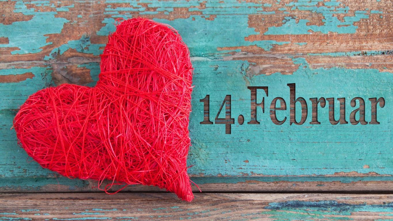 Вязаное сердце на День Влюбленных 14 февраля - С днем Святого Валентина поздравительные картинки