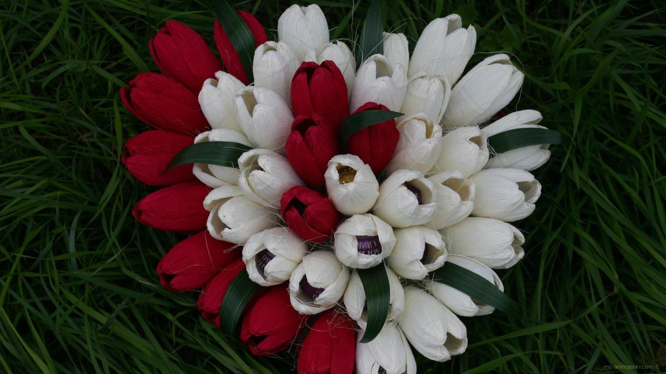 Букет из цветов и конфет на День Влюбленных 14 февраля - С днем Святого Валентина поздравительные картинки