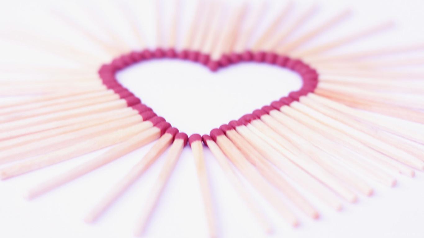 Сердце из спичек на День Святого Валентина 14 февраля - С днем Святого Валентина поздравительные картинки