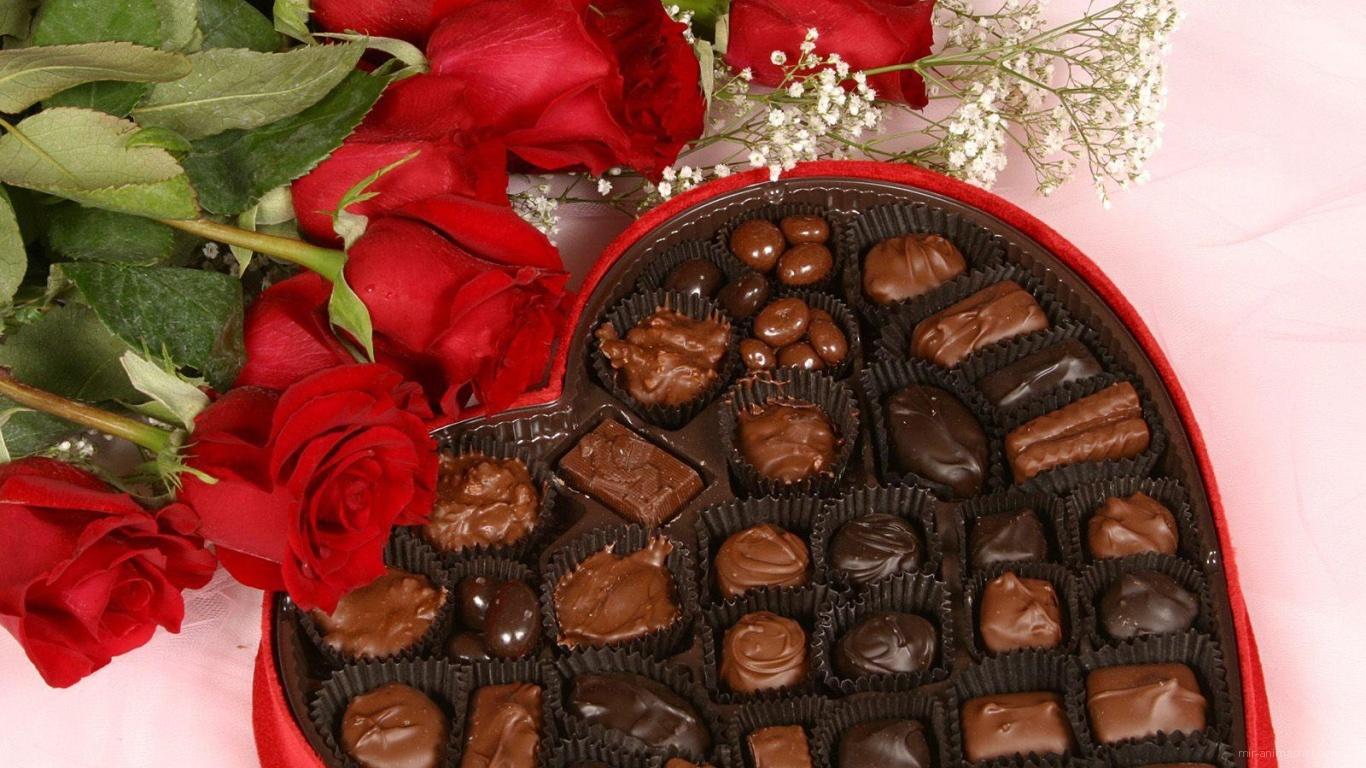 Конфеты и розы на День Святого Валентина - С днем Святого Валентина поздравительные картинки
