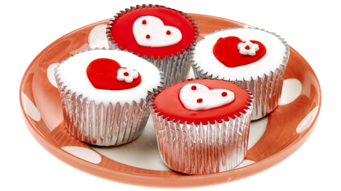 Кексы с сердечками на День Святого Валентина 14 февраля - С днем Святого Валентина поздравительные картинки