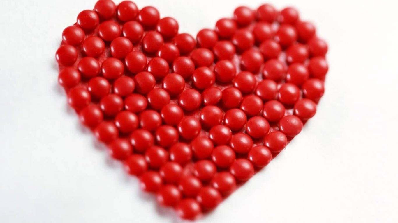 Сердце из шариков на День Святого Валентина - С днем Святого Валентина поздравительные картинки
