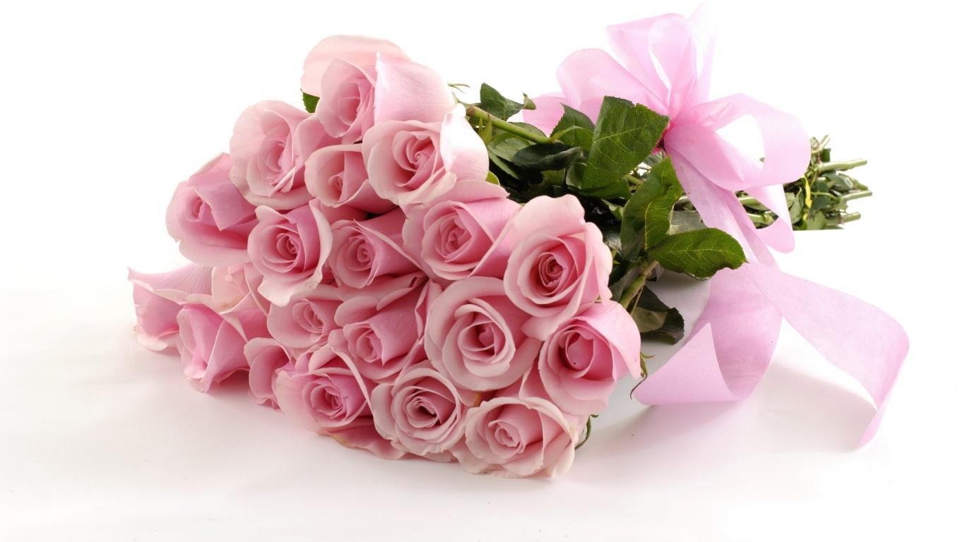 Красивый розовый букет в подарок на 8 марта - C 8 марта поздравительные картинки