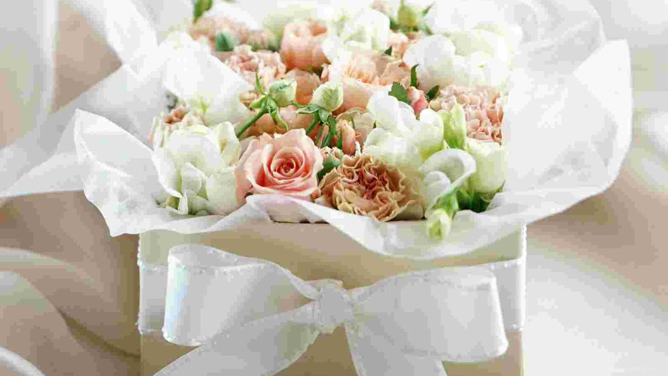 Цветы на подарок к 8 марта - C 8 марта поздравительные картинки