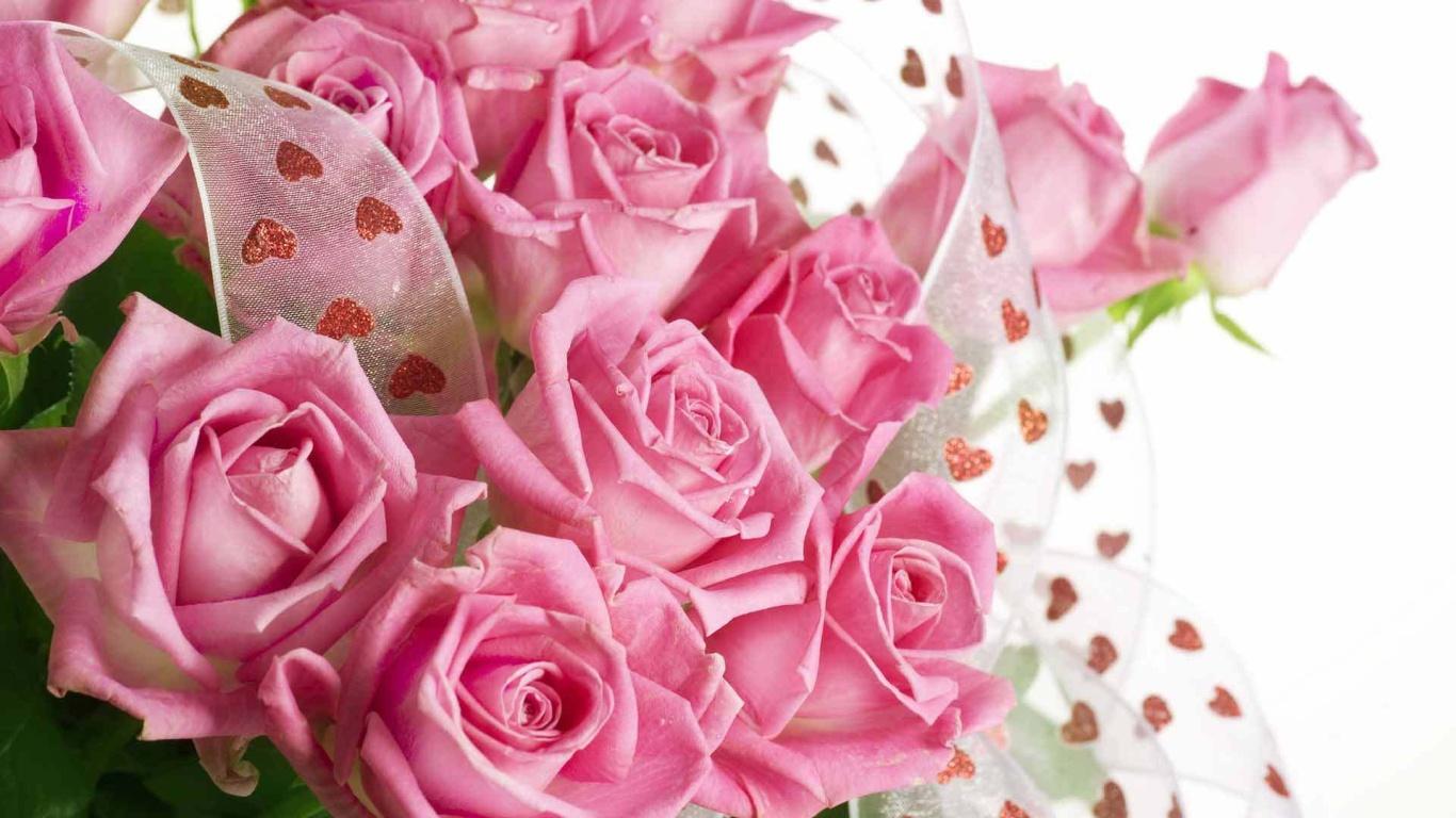 Букет из розовых роз девушкам на 8 марта - C 8 марта поздравительные картинки
