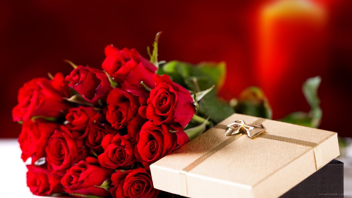 Букет красных роз на 8 марта в подарок - C 8 марта поздравительные картинки