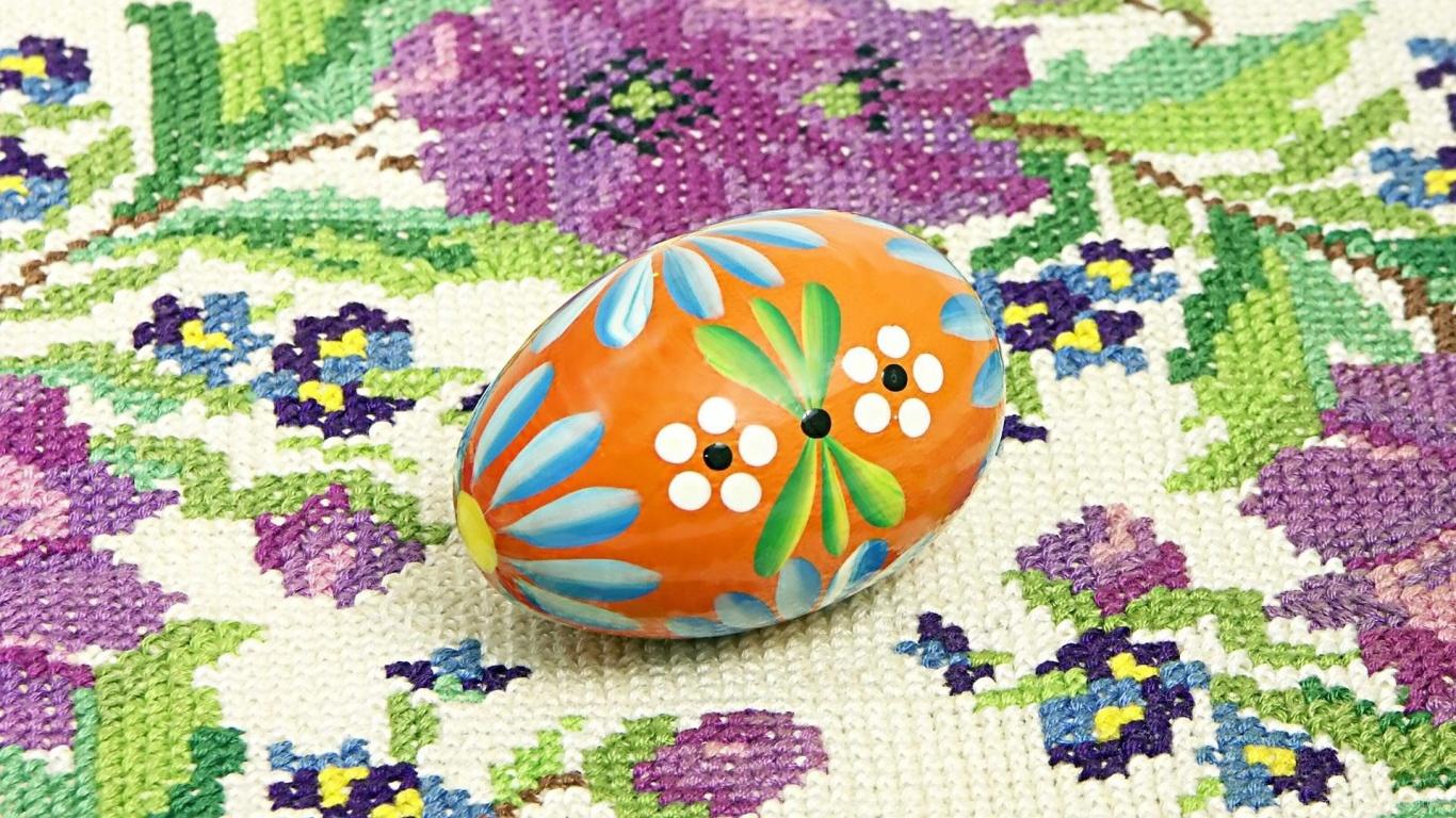 Яйцо на вышивке на Пасху - C Пасхой поздравительные картинки