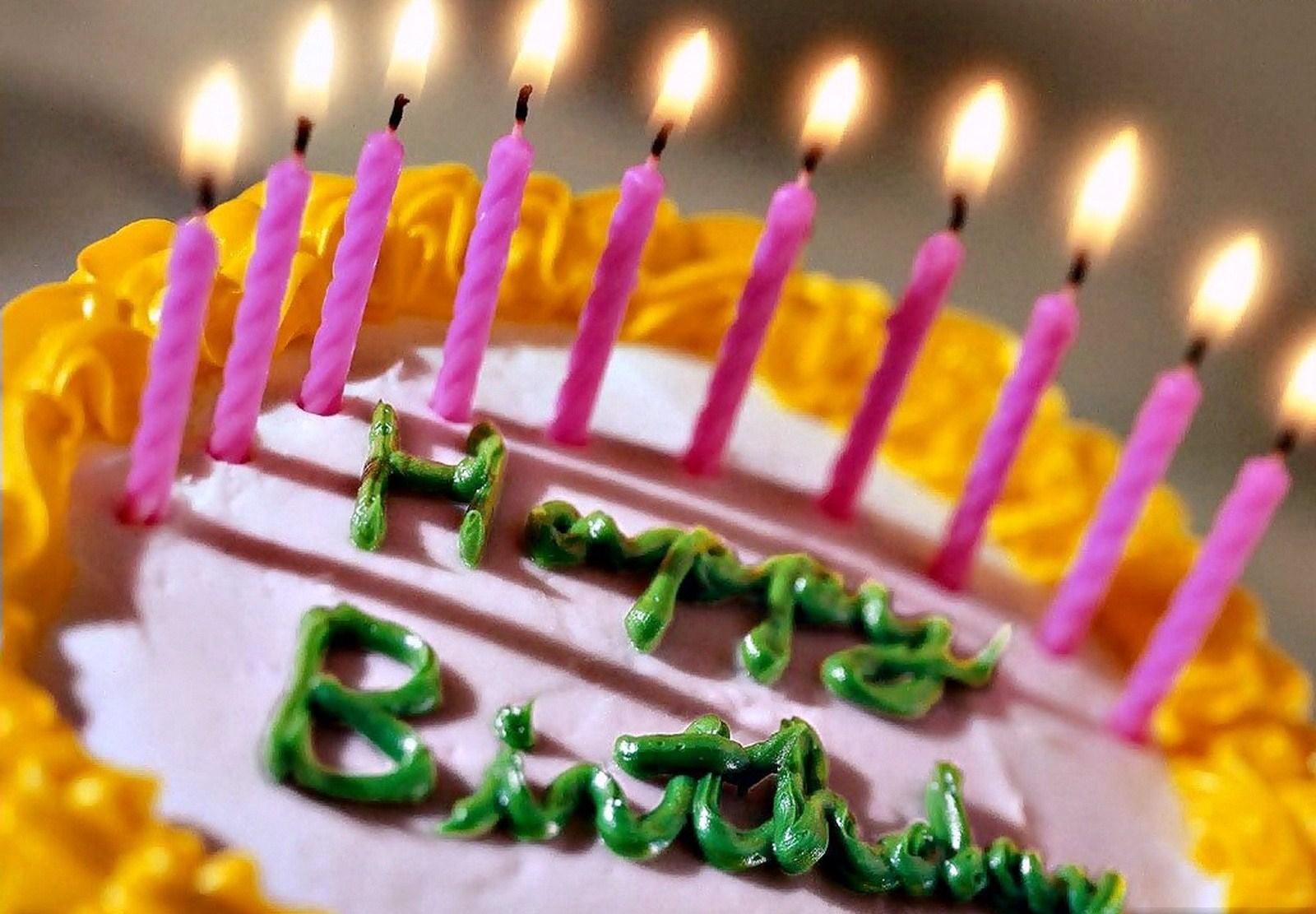 Свечи и торт в день рождения - С Днем Рождения
