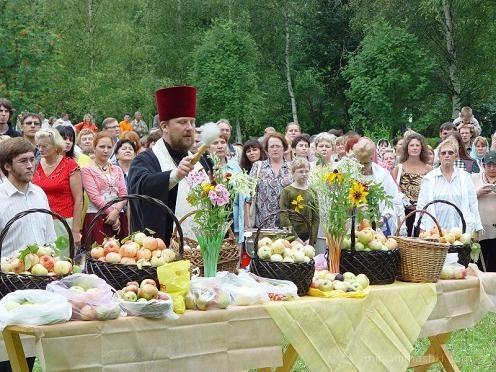 Яблочный Спас на Руси