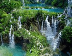 Бирюзовые водопады
